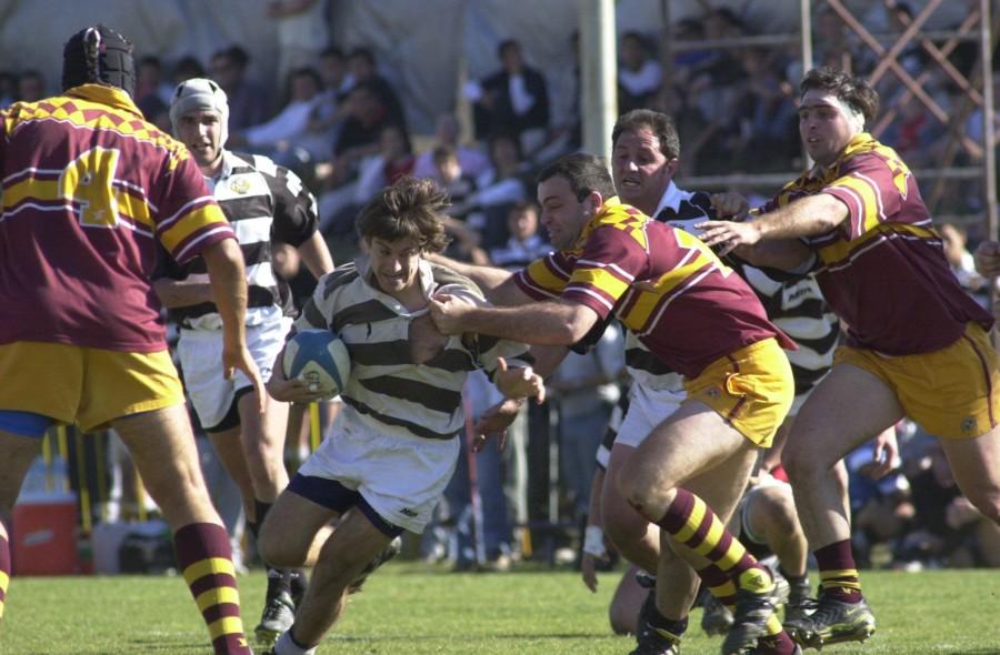 Partido de rugby Palermo Bajo vs Tala Rugby Club en cancha auxiliar del estadio cordoba.  foto digital SEBASTIAN SALGUERO. 10-08-2002.